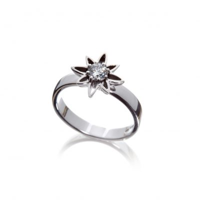 Small stylised Wylde Flower Diamond dress ring