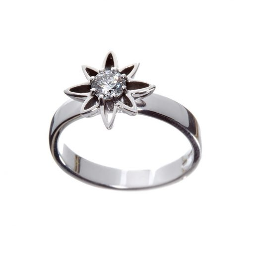 Small dress Wylde Flower Diamond ring