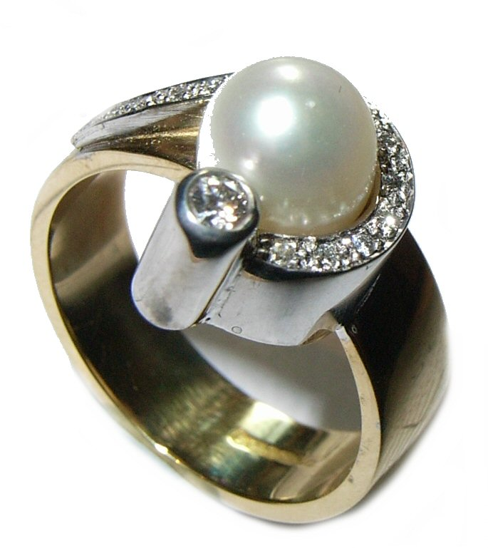 Ring (Pearl & Diamond)
