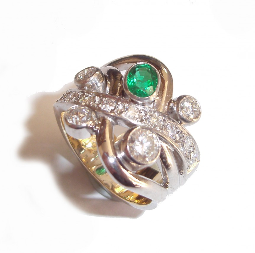 Ring (Green Gemstone and Diamond Multi stone