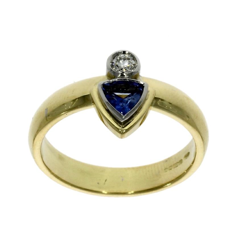 18ct white & yellow gold, sapphire & diamond ring