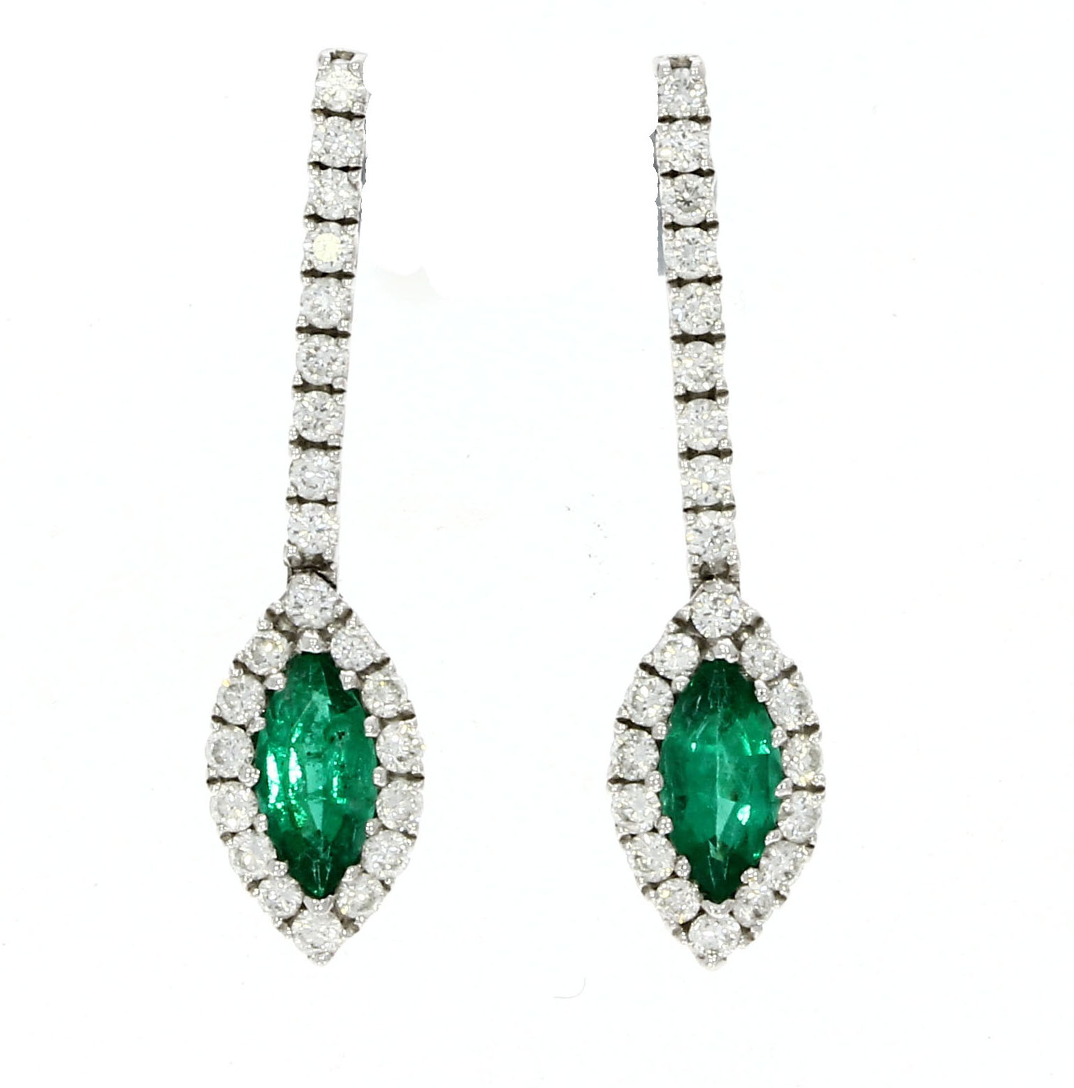 Star of the Month – May 2018: Emerald & diamond earrings bring delight
