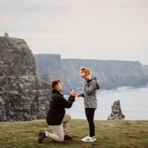 engagement surprise photoshoot ideas down on one knee YES