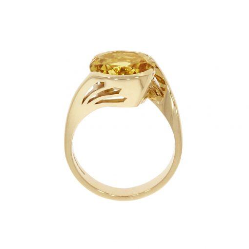 A sunshine inspired pierced sunbeam ring