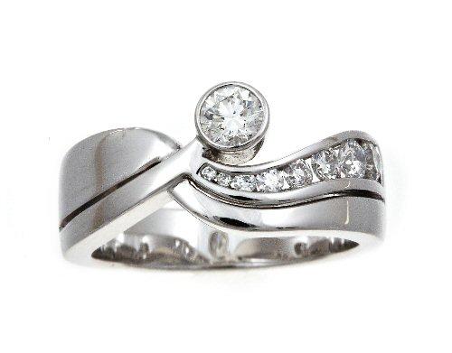 Diamond multi-stone ring