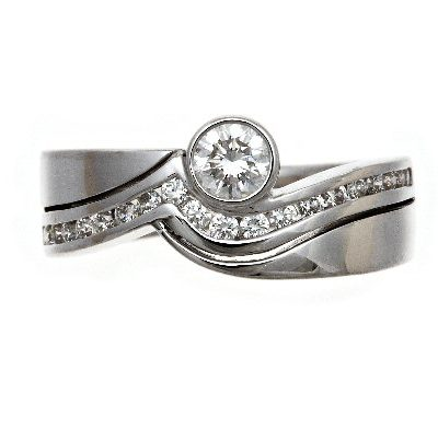 Multi-diamond ring