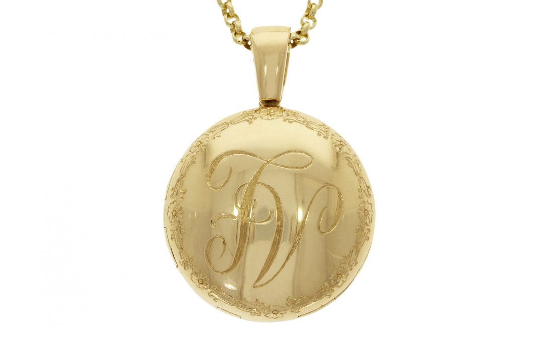 18ct Yellow Gold Engraved Memorial Locket