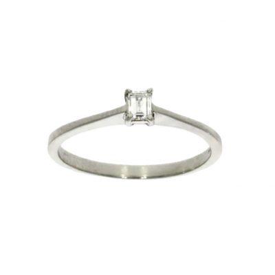 simple emerald baguette cut simple engagement ring