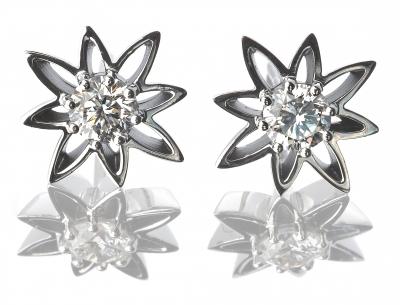 The Wylde Flower Diamond® Earrings