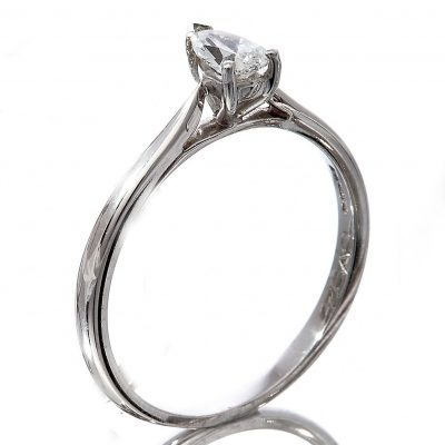 Diamond pear cut solitaire ring