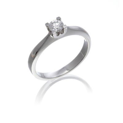 "Diamond solitaire ring in a 4-claw ""w"" setting"