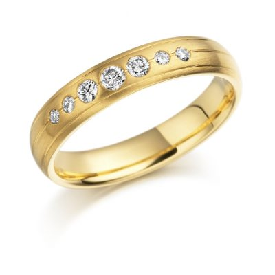 Gold 7 stone diamond ring