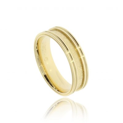 Double raised border men's fashionable designer textured wedding band