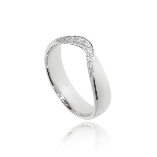 Ready to wear fitted wedding band shaped with diamonds