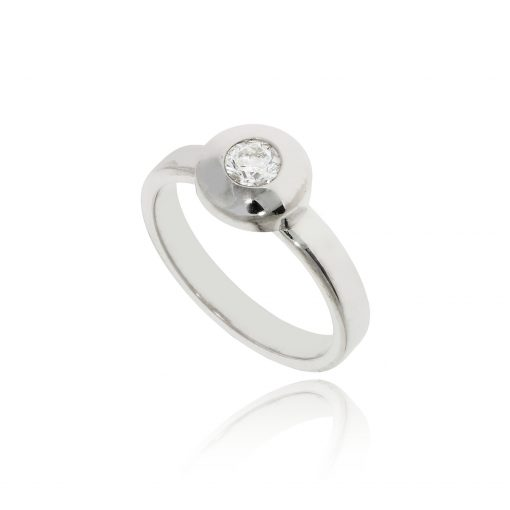 round white diamond rubover metal edge polished ring illusion set ring