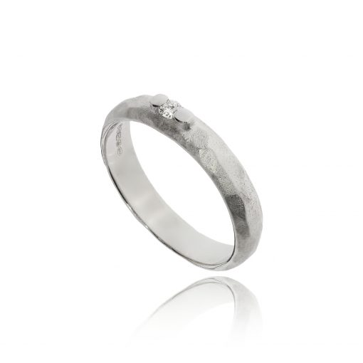 18ct white gold unusual subtle diamond band claw set hammered brushed ring