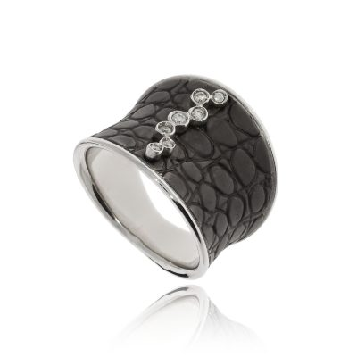 Chucnky black textured snakeskin statement ring with diamonds white gold