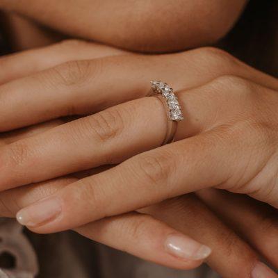 18ct white gold white metal half eternity ring five stone ring classic diamond ring